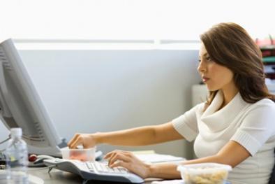 Chuyên gia cảnh báo dân văn phòng có nguy cơ 'chết sớm' vì ngồi lâu dù có chăm tập thể dục