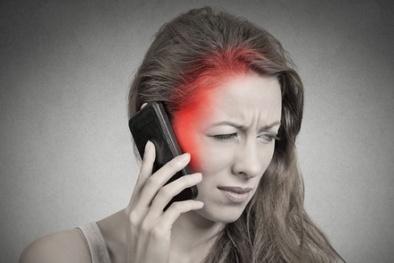 Chuyên gia cảnh báo bức xạ điện thoại di động gây hại cho sức khỏe