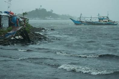 Bão Kai-tak đổ bộ miền Trung Philippines, ít nhất 9 người thương vong