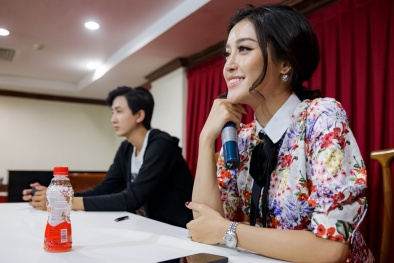 Top 45 Hoa khôi sinh viên Việt Nam giao lưu với tác giả 'Chuyện nhà Dr Thanh'