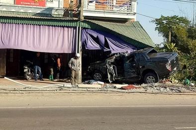 Quảng Ninh: Say rượu, tài xế xe bán tải đâm vào cột điện tử vong