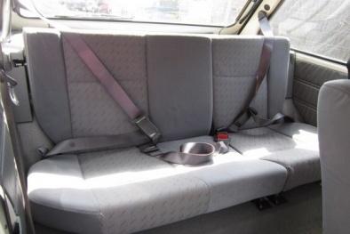 Người ngồi ghế sau ô tô không thắt dây an toàn sẽ bị liệt vào khung hình phạt nào?