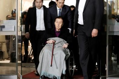 Nhà sáng lập 95 tuổi của Lotte bị kết án 4 năm tù là ai?