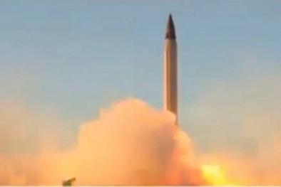 Sở hữu tên lửa cực mạnh, Iran thách mọi đối thủ dám 'gây hấn'