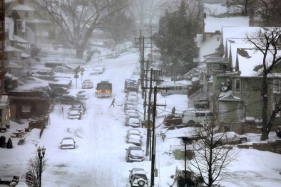 'Bom bão tuyết' tấn công nước Mỹ, 4 người chết, hơn 4000 chuyến bay bị hủy