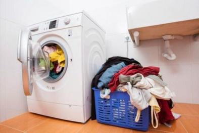 Có thể lây bệnh nguy hiểm từ việc giặt chung quần áo ngày trời ẩm