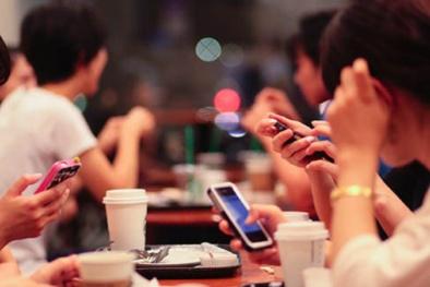 Điện thoại thông minh đang 'hủy hoại' trí óc con người thế nào?