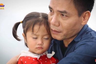 Khán giả 'săn lùng' chàng trai hát 'Đắp mộ cuộc tình' trong Đại gia chân đất 8