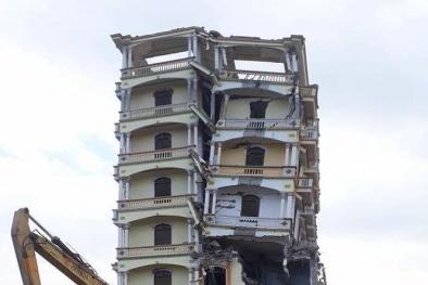 'Lâu đài' khủng của Tàng KeangNam ở Sơn La bị đánh sập hoàn toàn