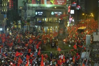 Đi 'bão' mừng chiến thắng của U23 Việt Nam, nhiều người bị xử phạt vì quá khích