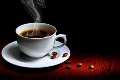 Bí ẩn về tách cà phê vẫn còn nóng trên máy bay mất tích đã 48 năm