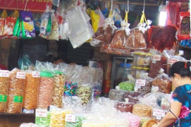 Tỉnh táo trước món khô bò không nhãn mác bán đầy chợ ngày giáp Tết