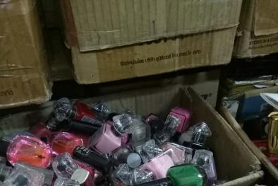 Các hóa chất nằm trong lọ sơn móng tay chị em cần biết và cách mua hàng 'chuẩn'