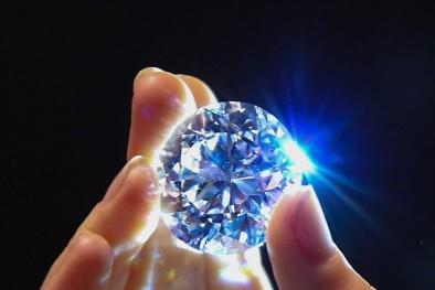 Đấu giá gần 34 triệu USD cho viên kim cương đẹp không tì vết