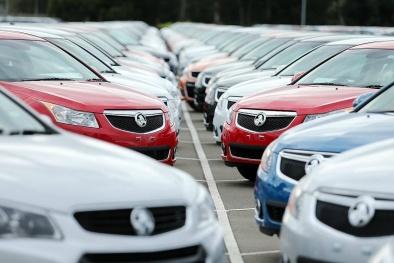 Thuê xe chơi Tết: Giá tăng vù vù nhưng vẫn 'cháy xe'