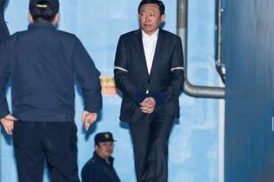 Chủ tịch Tập đoàn Lotte bị kết án 2,5 năm tù giam là ai?