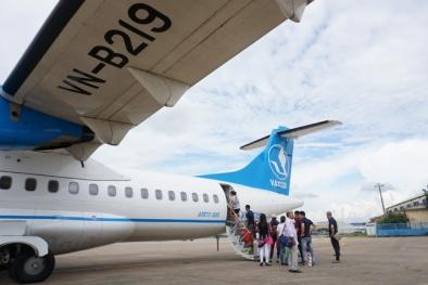 Hành khách tự mở cửa thoát hiểm khiến chuyến bay đi TP.HCM bị hoãn 7 tiếng