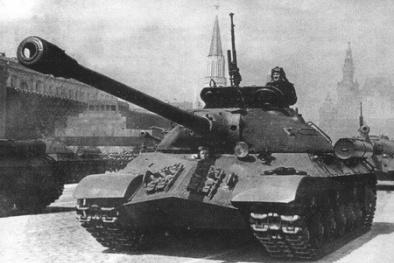 Vũ khí 'quái vật' mạnh nhất Thế chiến II của Nga tái xuất khiến đối thủ khiếp vía