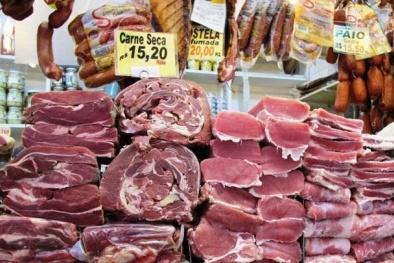 Thịt nhập khẩu tràn lan, điều tiết cách nào?
