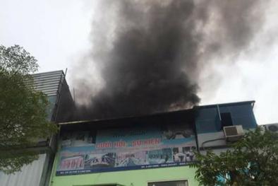 Hà Nội: Cháy lớn tại 2 phố Xã Đàn, nhiều tài sản bị thiêu rụi
