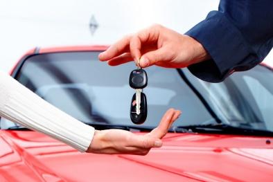Đặt cọc tiền mua ô tô, nhiều khách hàng bị 'móc túi' mà không hay