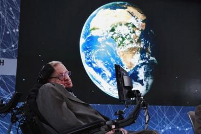Stephen Hawking cảnh báo đáng sợ về Ngày Tận Thế của nhân loại