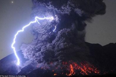 Bí ẩn tiếng sấm núi lửa lần đầu tiên được các nhà khoa học ghi lại