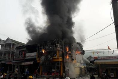 Nghệ An: Đám cháy thiêu rụi hoàn toàn cửa hàng điện lạnh 2 tầng