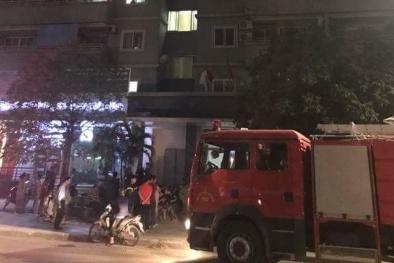 Hà Nội: Cháy chung cư quận Nam Từ Liêm, cư dân hốt hoảng tháo chạy