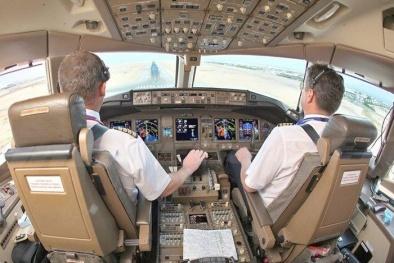 Phi công đột tử, xử lý thế nào để đảm bảo an toàn chuyến bay?