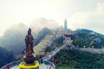 Vẻ đẹp thoát tục của những 'ngôi chùa trên núi' Fansipan