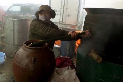 Hà Nội: Tăng cường kiểm soát rượu thủ công, giám định chất lượng rượu
