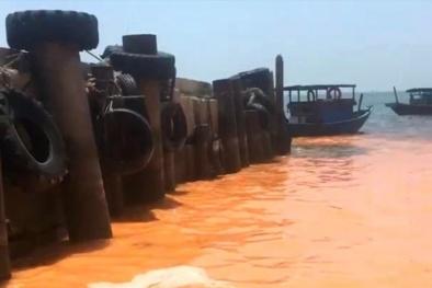 Quảng Bình: Vệt nước có màu đỏ tại bờ biển là do 'sự nở hoa của nước'