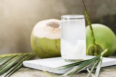 'Tất tần tật' công dụng tuyệt vời của nước dừa