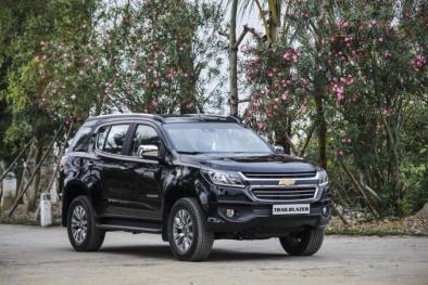 Thị trường ô tô Việt: Xe nhập khẩu bất ngờ giảm giá cả trăm triệu đồng/chiếc