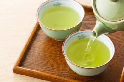 Uống trà xanh khi bụng rỗng có thể làm hỏng chức năng gan