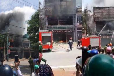 Quảng Ninh: Cháy biển hiệu, một cửa hàng điện máy bị bà hỏa thiêu rụi