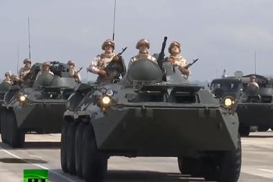 Hé lộ vũ khí 'kẻ hủy diệt' xuất hiện tại lễ duyệt binh của Nga ở căn cứ Syria