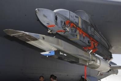 Mỹ cấp tốc phát triển vũ khí cực mạnh 'hất cẳng' đối thủ đang có ý vượt mặt