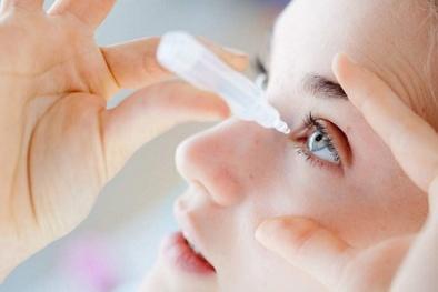 Sử dụng thuốc nhỏ mắt levofloxacin một bệnh nhân bị suy hô hấp