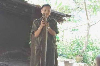 Nghệ An: Xôn xao nông dân lại bắt được cá chình nặng 'khủng' 6 kg, dài 1,3m