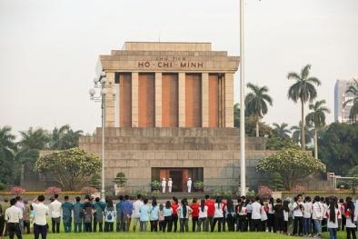 Cận cảnh Lễ chào cờ tại Quảng trường Ba Đình trong ngày sinh nhật Bác