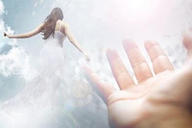 Bí ẩn người phụ nữ nhìn xuyên tương lai và 'kiếp trước' của mình