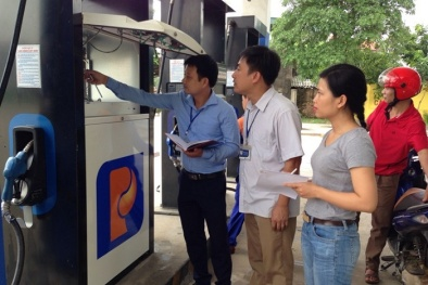 Bình Thuận: Phạt 2 cơ sở bán xăng 120 triệu đồng, thu hồi 1.289 lít xăng không đạt chuẩn