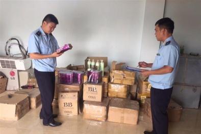 Hải quan Móng Cái bắt giữ 8 thùng mỹ phẩm nhập lậu