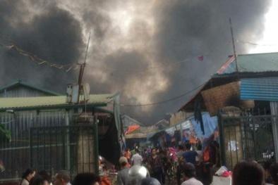 Tin tức mới nhất vụ cháy lớn chợ Sóc Sơn: Cả nghìn m2 bị thiêu rụi