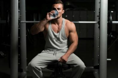 Uống rượu sau khi tập thể dục, nguy hại khôn lường