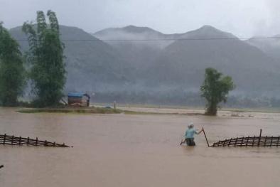 Cận cảnh hình ảnh tang thương trong mưa lũ miền Bắc: Người chết thảm, nhà đổ sập