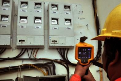 Nắng nóng gay gắt, kỷ lục tiêu thụ điện liên tục bị 'xô đổ'