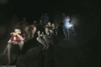 Vẫn chưa giải cứu được 13 thành viên đội bóng gặp nạn ở Thái Lan